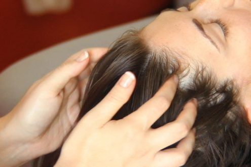 توقف ریزش مو با ماساژ